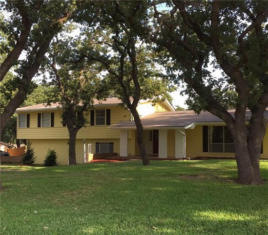 1435 Oak Hills Dr, Graham, TX 76450