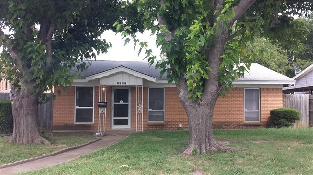Rental Homes for Rent, ListingId:34913237, location: 2701 Townsend Drive Ft Worth 76110