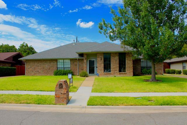 Rental Homes for Rent, ListingId:34913228, location: 2509 Castle Street Irving 75038