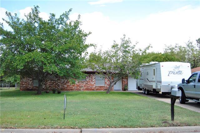 3507 Northpark Dr, Corsicana, TX 75110