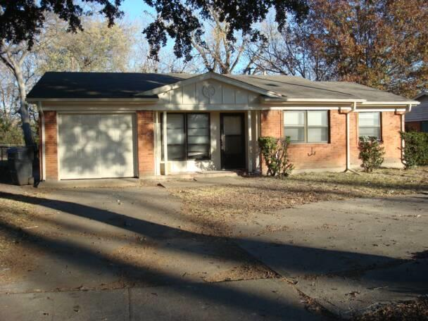 Rental Homes for Rent, ListingId:34974555, location: 2330 Blue Creek Drive Dallas 75216