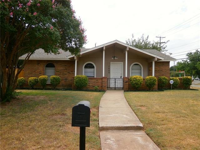 Rental Homes for Rent, ListingId:35033121, location: 7400 Van Natta Lane Ft Worth 76112
