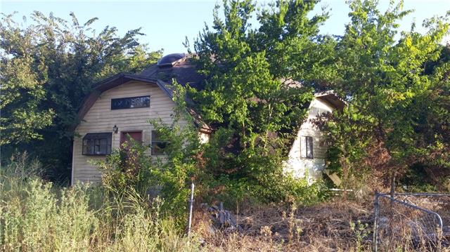 311 Blanks Rd, Whitewright, TX 75491