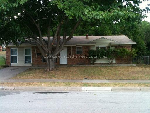 Rental Homes for Rent, ListingId:35001921, location: 4908 Jamesway Road Ft Worth 76135