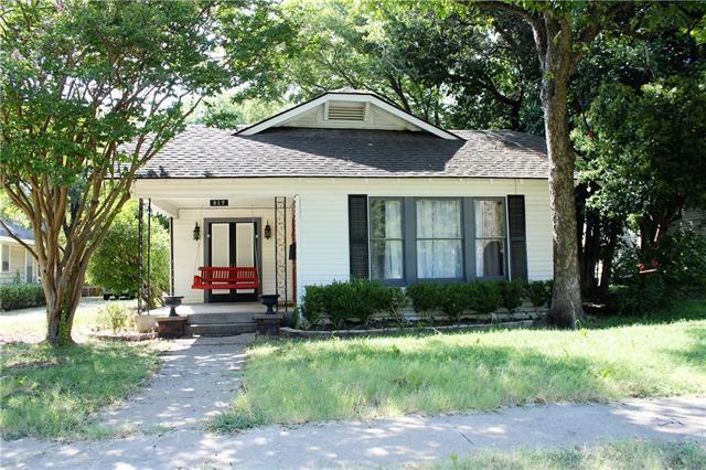 Rental Homes for Rent, ListingId:35157607, location: 317 University Avenue Waxahachie 75165