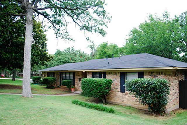 Rental Homes for Rent, ListingId:35699785, location: 2433 Kayewood Drive Denton 76209