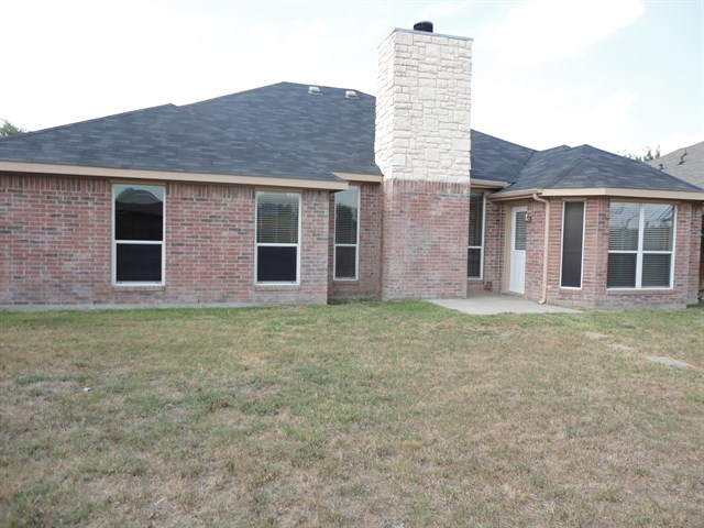 Rental Homes for Rent, ListingId:35344234, location: 112 Chesterfield Circle Waxahachie 75165