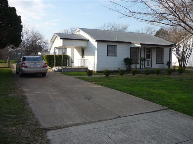 Rental Homes for Rent, ListingId:35507212, location: 7701 Colton Drive White Settlement 76108