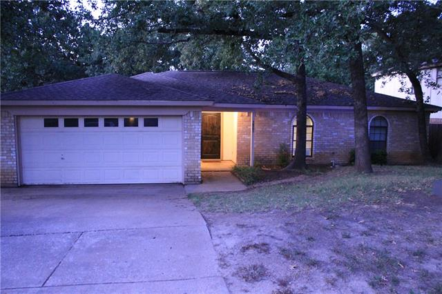 Rental Homes for Rent, ListingId:35551737, location: 5805 Trail Crest Drive Arlington 76017