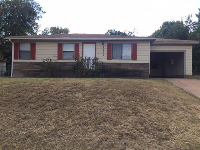 Rental Homes for Rent, ListingId:35573341, location: 1311 W Water Street W Weatherford 76086