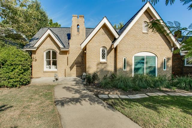 Rental Homes for Rent, ListingId:35580374, location: 1915 Ashland Avenue Ft Worth 76107