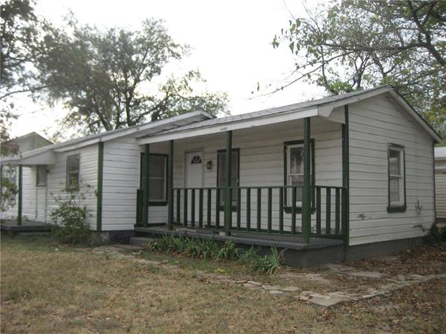 Rental Homes for Rent, ListingId:35664988, location: 8419 Whitney Drive White Settlement 76108
