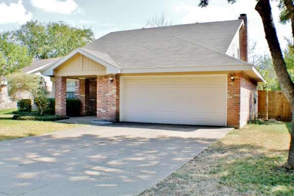 Rental Homes for Rent, ListingId:35580233, location: 2513 Livingston Lane Grand Prairie 75052