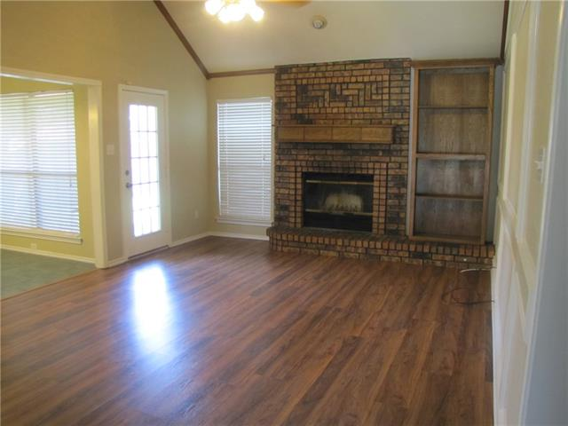 Rental Homes for Rent, ListingId:35676362, location: 1104 Steven Street Burleson 76028