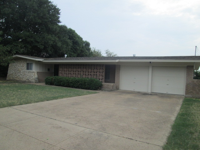 Rental Homes for Rent, ListingId:35692693, location: 6509 Dakar Road W Ft Worth 76116