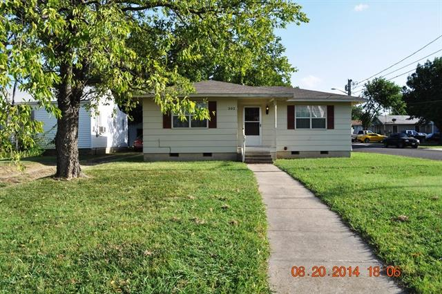 Rental Homes for Rent, ListingId:35711677, location: 302 Robertson Street Denton 76205