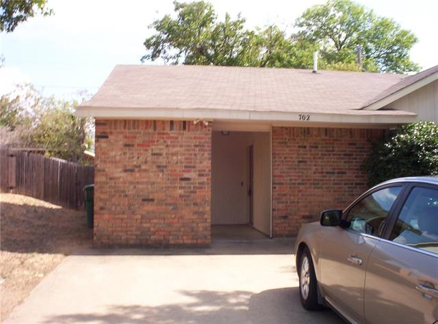Rental Homes for Rent, ListingId:35733669, location: 700 Hillcrest Court Cedar Hill 75104