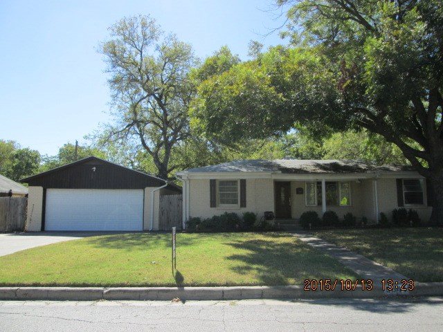Rental Homes for Rent, ListingId:35830620, location: 5641 Fursman Avenue Ft Worth 76114