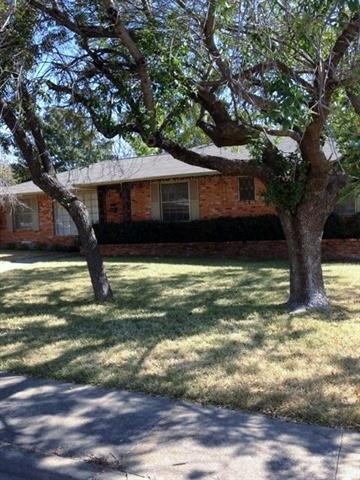 Rental Homes for Rent, ListingId:35942417, location: 5012 Fox Hill Lane Dallas 75232