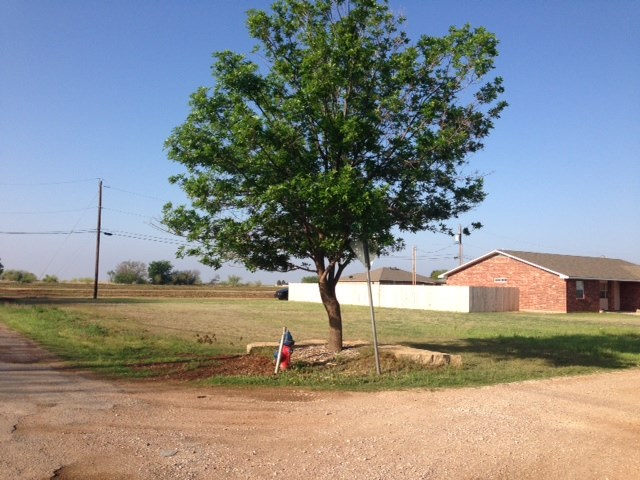 1601 Derrick Haskell, TX 79521