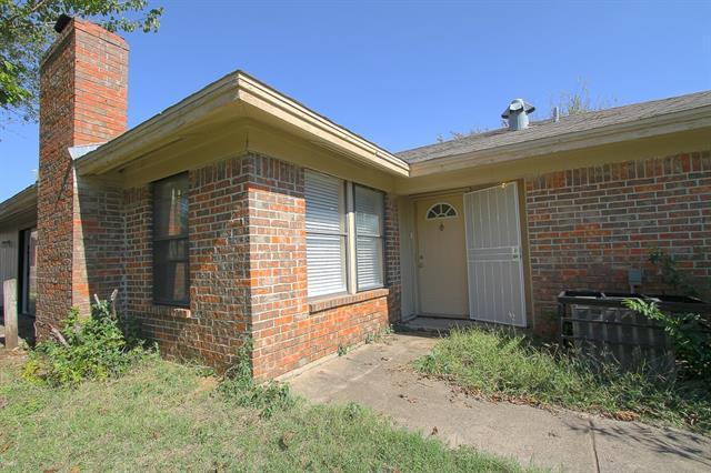 Rental Homes for Rent, ListingId:36114071, location: 4413 Menzer Road Ft Worth 76103