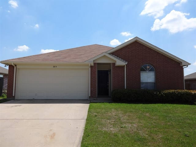 Rental Homes for Rent, ListingId:36154875, location: 1014 Sage Brush Trail Midlothian 76065