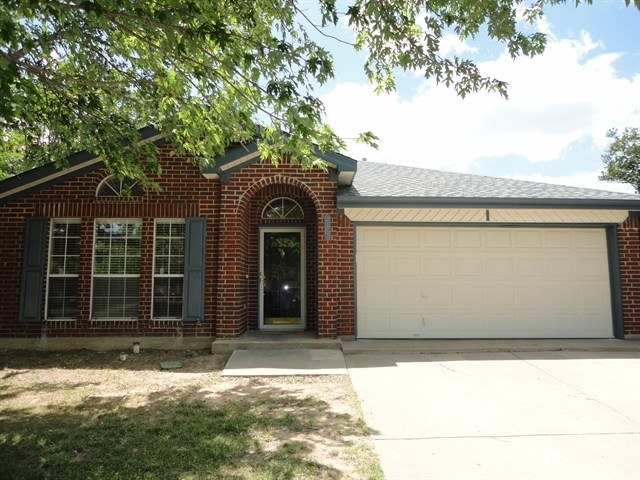 Rental Homes for Rent, ListingId:36125278, location: 2212 Whispering Wind Street Ft Worth 76108