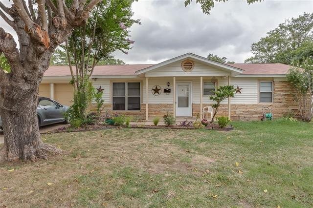 Rental Homes for Rent, ListingId:36142683, location: 516 NW Newton Drive NW Burleson 76028