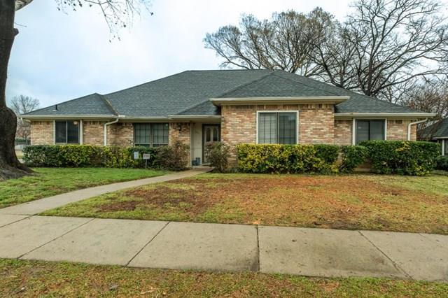 Rental Homes for Rent, ListingId:36175055, location: 2001 Crooked Creek Lane Arlington 76006