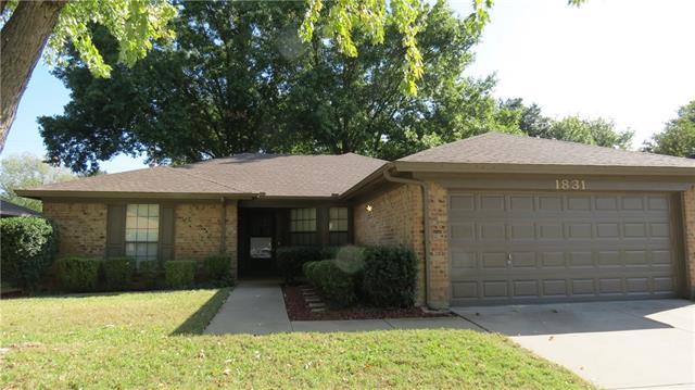 Rental Homes for Rent, ListingId:36222438, location: 1831 Westcrest Drive Arlington 76013