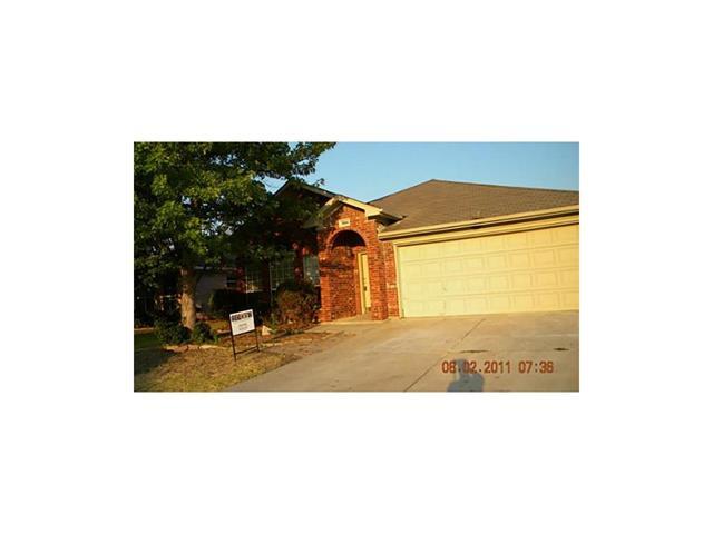 Rental Homes for Rent, ListingId:36218783, location: 7004 Rovato Drive Arlington 76001