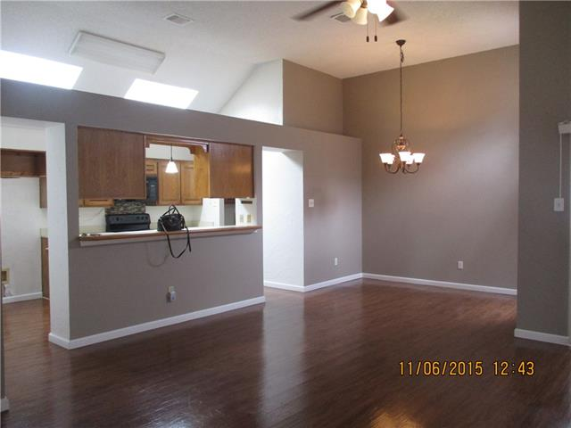 Rental Homes for Rent, ListingId:36239637, location: 1190 Meadow Park Lane Grand Prairie 75052