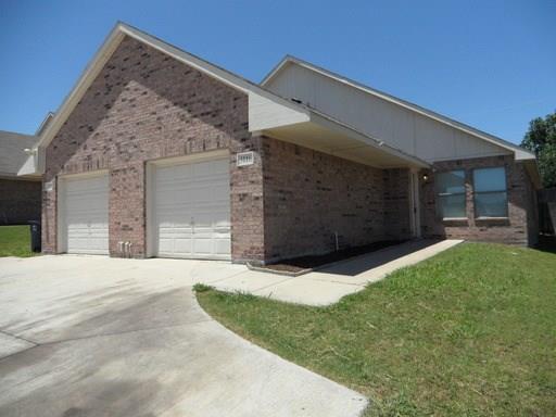 Rental Homes for Rent, ListingId:36293581, location: 3116 Cherry Lane Ft Worth 76116