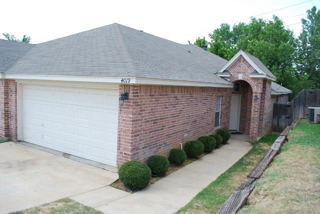 Rental Homes for Rent, ListingId:36359847, location: 4019 Cottage Park Court Arlington 76013
