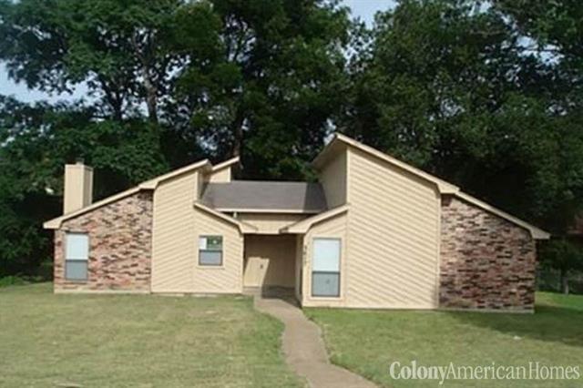 Rental Homes for Rent, ListingId:36359931, location: 5617 Shady Crest Trail Dallas 75241
