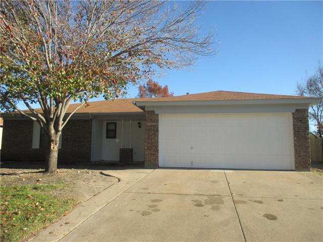 Rental Homes for Rent, ListingId:36756563, location: 416 Berkshire Drive Burleson 76028