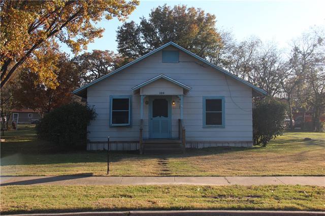 125 W College Ave, Corsicana, TX 75110