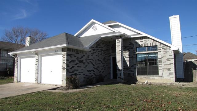 Rental Homes for Rent, ListingId:36662177, location: 919 W Lynn Creek Drive Arlington 76001