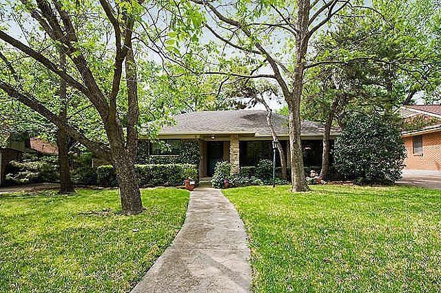 Rental Homes for Rent, ListingId:36840051, location: 1113 Greenway Drive Richardson 75080