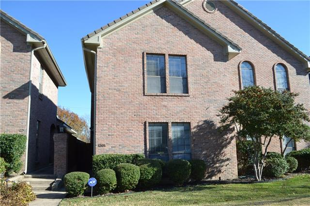 Rental Homes for Rent, ListingId:36731987, location: 1301 Belle Place Ft Worth 76107