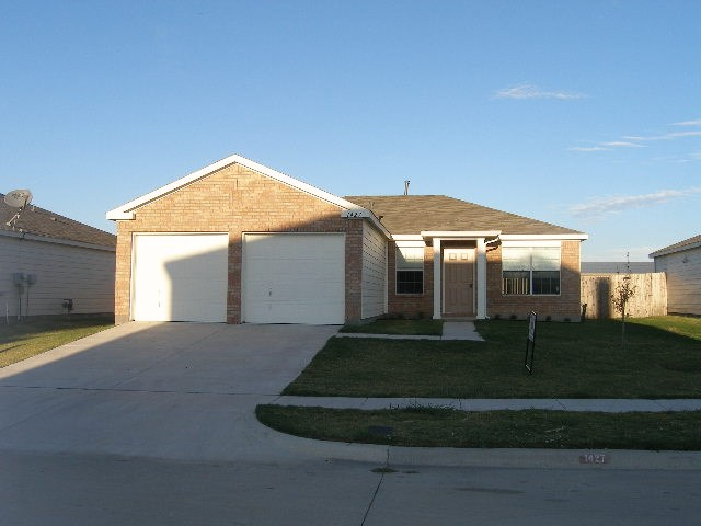 Rental Homes for Rent, ListingId:36818906, location: 1427 MALLARD Drive Sherman 75092