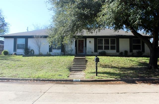 Rental Homes for Rent, ListingId:36817485, location: 2221 Ravenwood Drive Grand Prairie 75050
