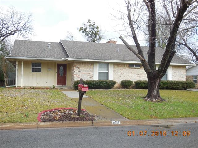 Rental Homes for Rent, ListingId:36817624, location: 1017 Canterbury Drive Sherman 75092