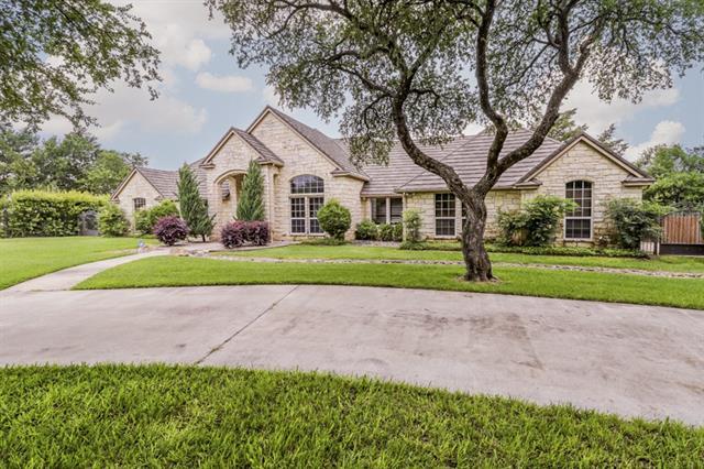 115 Crescent Cv, Bridgeport, TX 76426