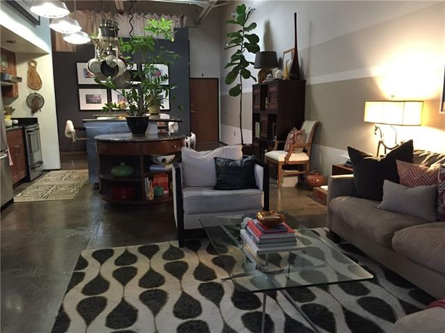 Rental Homes for Rent, ListingId:36856713, location: 1813 Clarence Street Dallas 75215