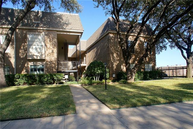 Single Family Home for Sale, ListingId:36872996, location: 4420 Harlanwood Drive Ft Worth 76109