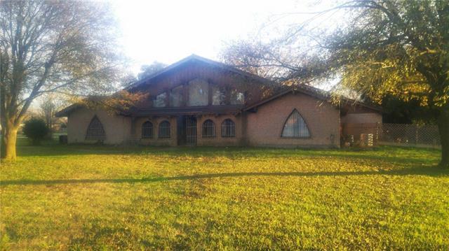 101 Kerens St, Barry, TX 75102