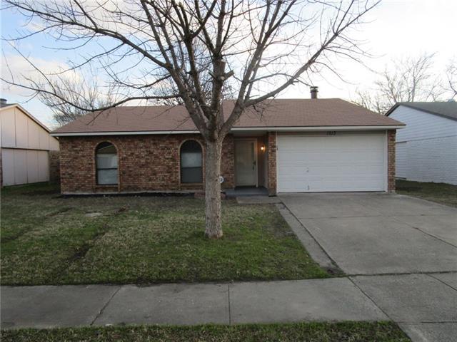 Rental Homes for Rent, ListingId:36992195, location: 1213 California Trail Grand Prairie 75052