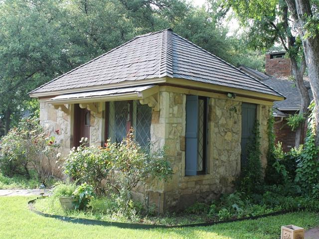 Rental Homes for Rent, ListingId:36967005, location: 2901 Simondale Drive Ft Worth 76109