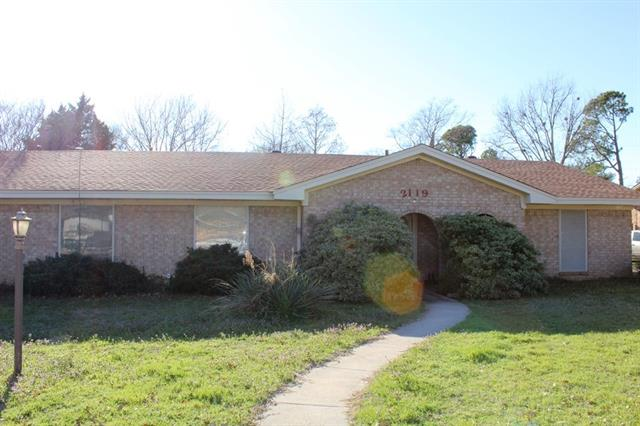 Rental Homes for Rent, ListingId:36979478, location: 2119 Greenway Street Denton 76207
